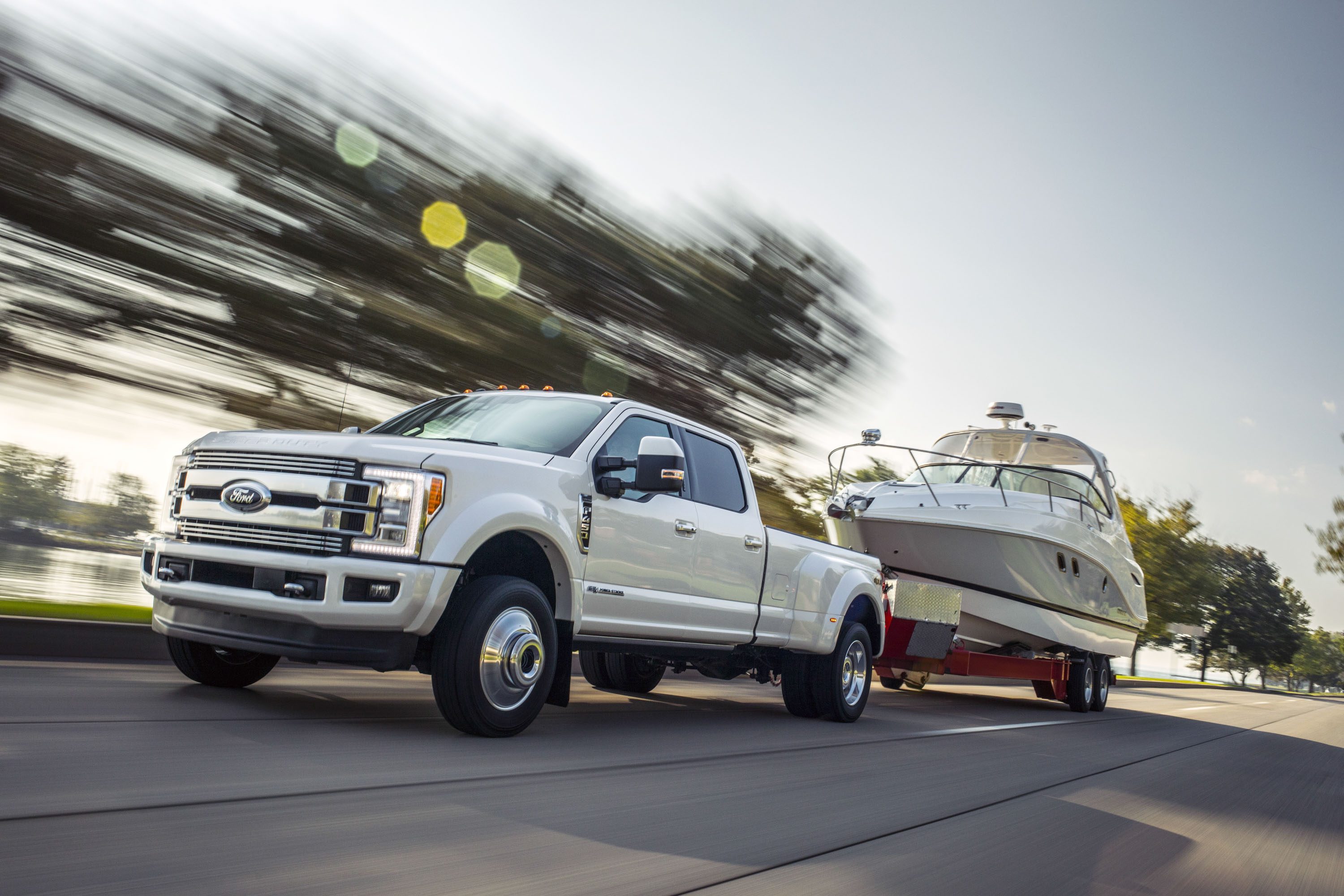 Ford – America's truck leader – today pulls off the wraps of a new F-Series Super Duty Limited