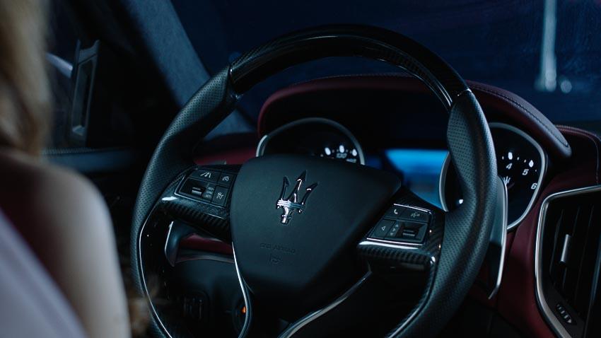 """Hồ Ngọc Hà cùng Maserati Ghibli S Q4 xuất hiện trong """"Be Beautifully Bold"""""""