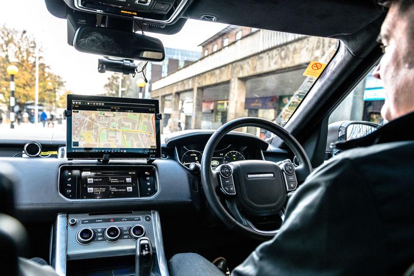 Jaguar Land Rover lần đầu tiên thử nghiệm tính năng tự lái trên xe tại Anh