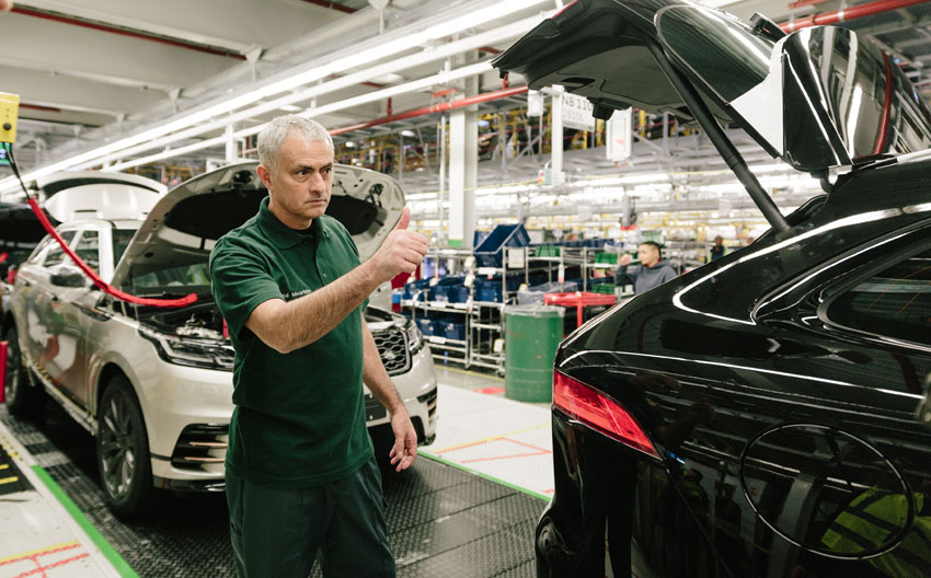José Mourinho trở thành khách hàng thứ 100.000 của Jaguar F-Pace