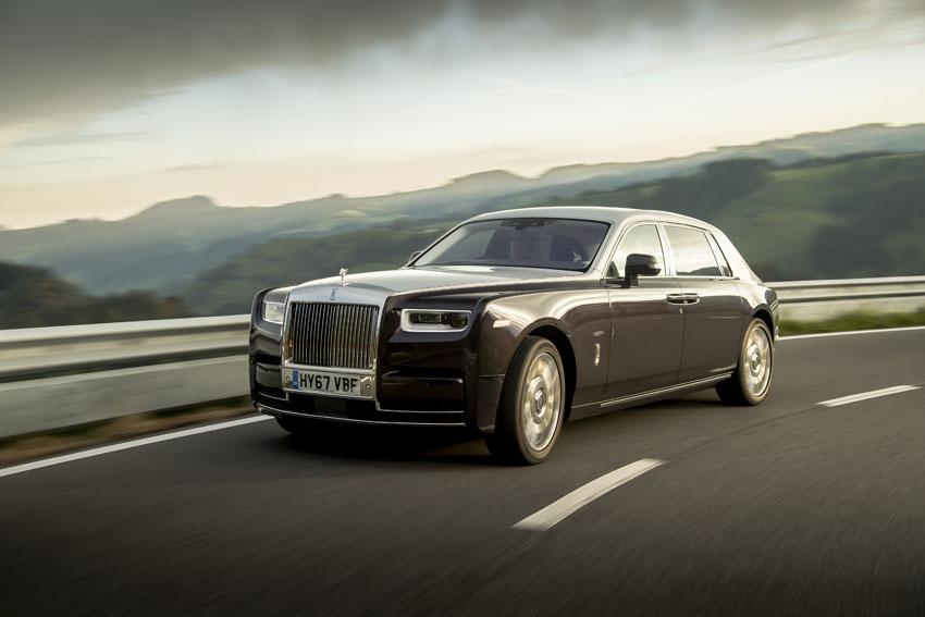 """Rolls-Royce Phantom được bình chọn là """"Chiếc xe siêu sang của năm"""""""