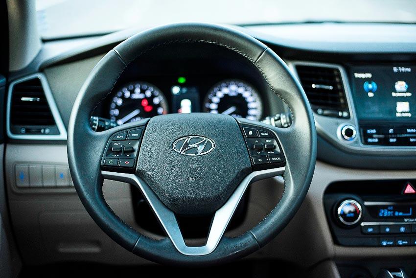 """Hyundai Tucson 2017 giảm giá """"sốc"""" lên đến 130 triệu đồng"""