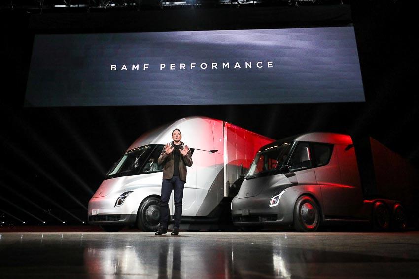 DN-Tesla-xe-dau-keo-chay-dien-Semi-Truck-Tin-241117-2