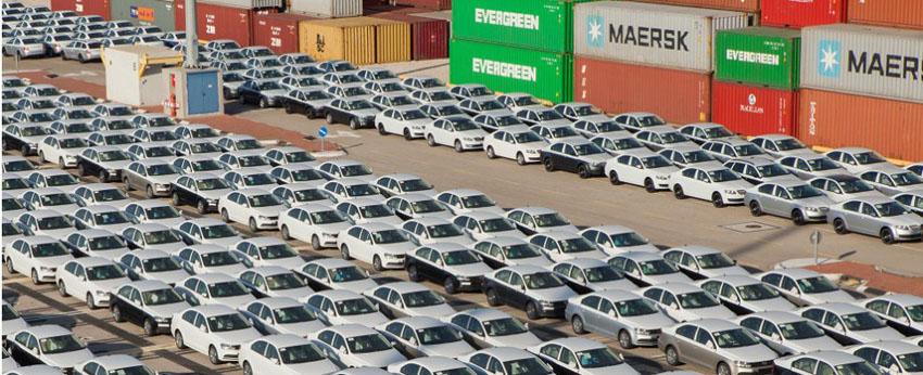 Ô tô nhập khẩu đột ngột tăng mạnh trở lại vào tháng cuối năm