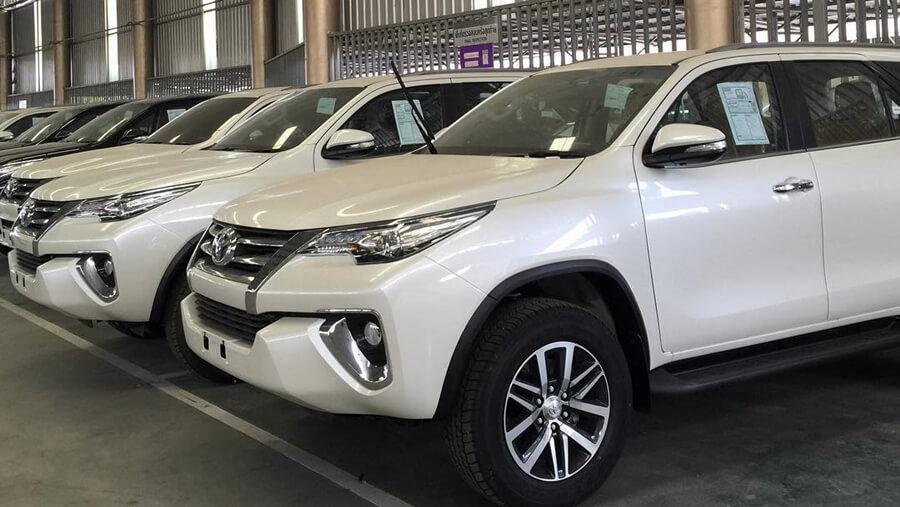 Fortuner khan hàng trên toàn hệ thống đại lý Toyota.