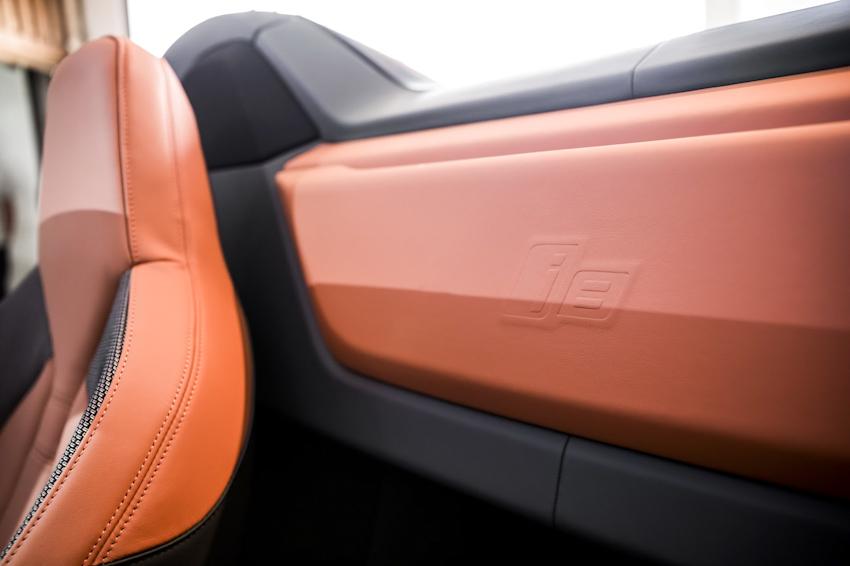 WLC-BMW-i8-Roadster-va-BMW-i8-Coupe-2018-Tin-011217-13