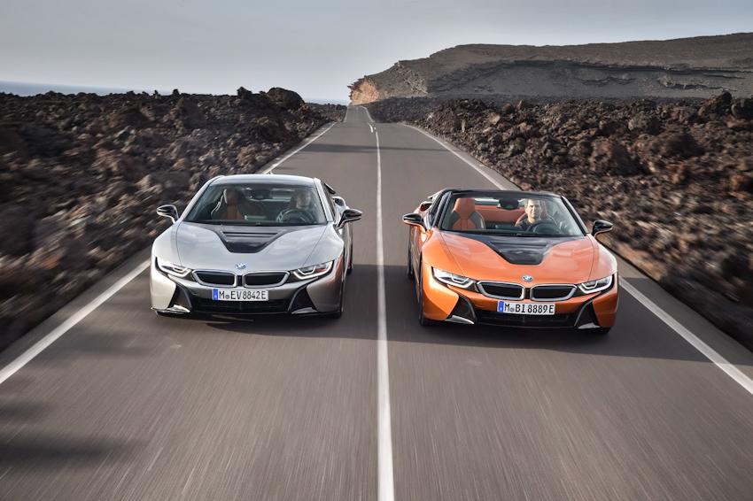 WLC-BMW-i8-Roadster-va-BMW-i8-Coupe-2018-Tin-011217-20