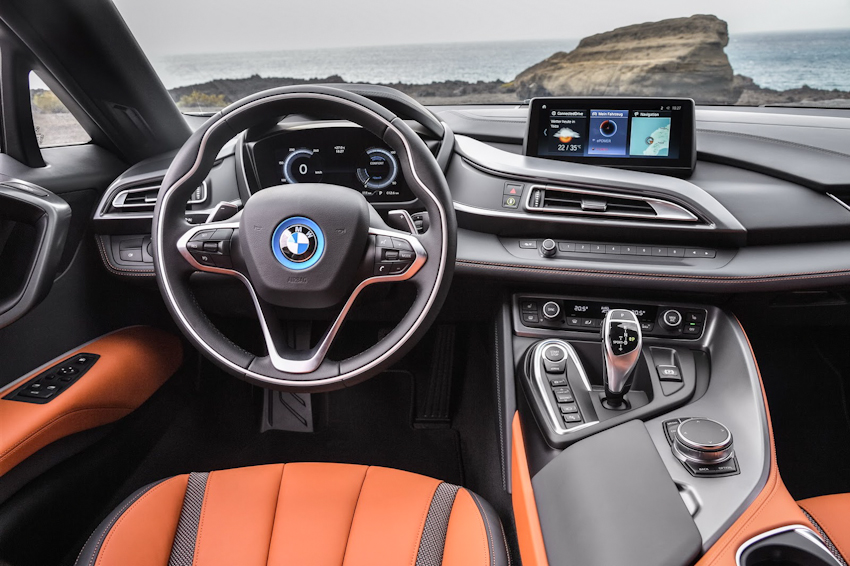 WLC-BMW-i8-Roadster-va-BMW-i8-Coupe-2018-Tin-011217-8
