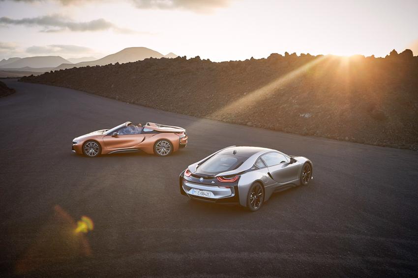 WLC-BMW-i8-Roadster-va-BMW-i8-Coupe-2018-Tin-011217-1