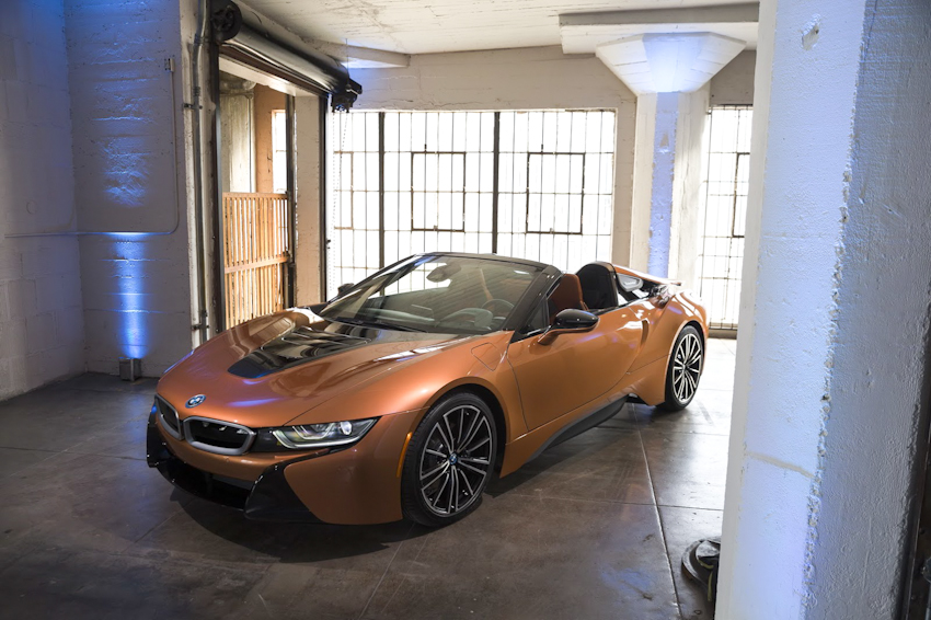 WLC-BMW-i8-Roadster-va-BMW-i8-Coupe-2018-Tin-011217-5