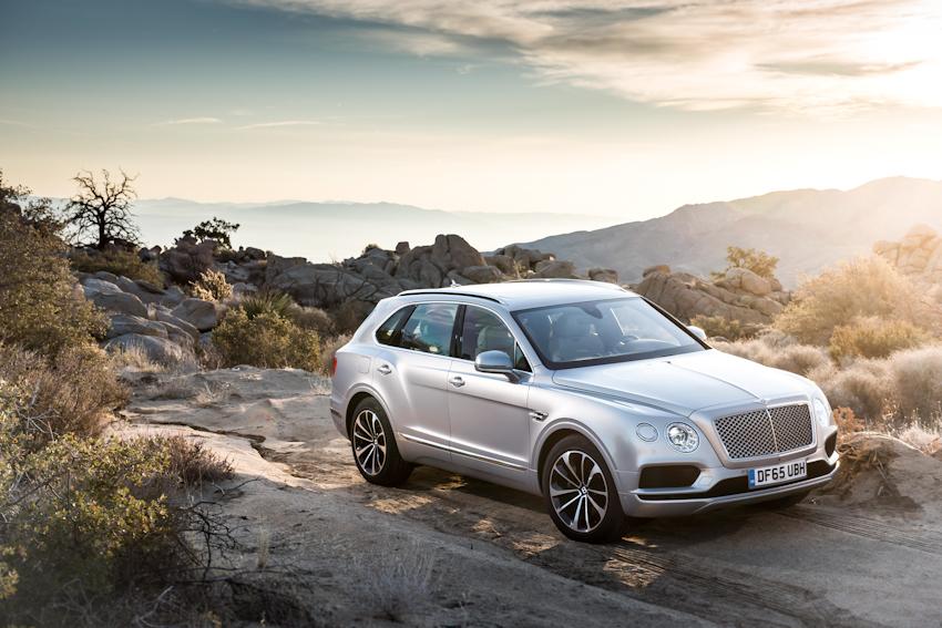 WLC-Bentley-Bentayga-SUV-cua-nam-Tin-081217-2