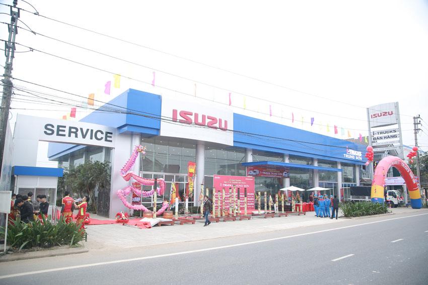 Isuzu khai trương đại lý xe thương mại I-Trucks tại Quảng Trị