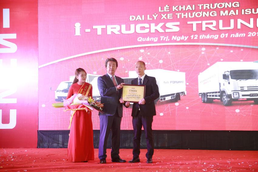 Isuzu khai trương đại lý xe thương mại Isuzu Trung Sơn tại Quảng Trị