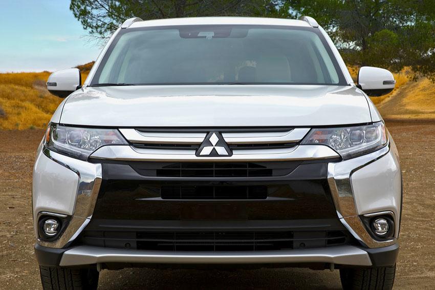 Mitsubishi Outlander phiên bản lắp ráp có giá từ 808 triệu đồng
