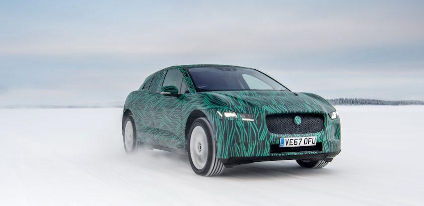 Hé lộ hình ảnh mẫu xe điện Jaguar I-PACE chạy thử địa hình băng tuyết