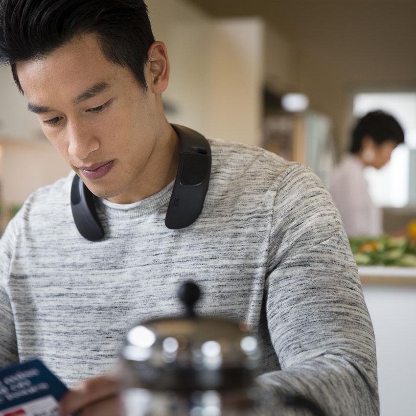 Bose ra mắt sản phẩm loa đeo SoundWear Companion với giá 7,99 triệu đồng