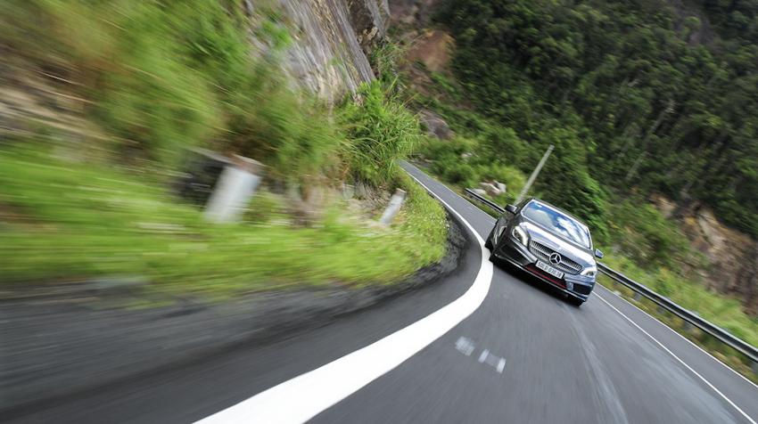 8 kỹ năng lái xe ô tô đường đèo dốc an toàn