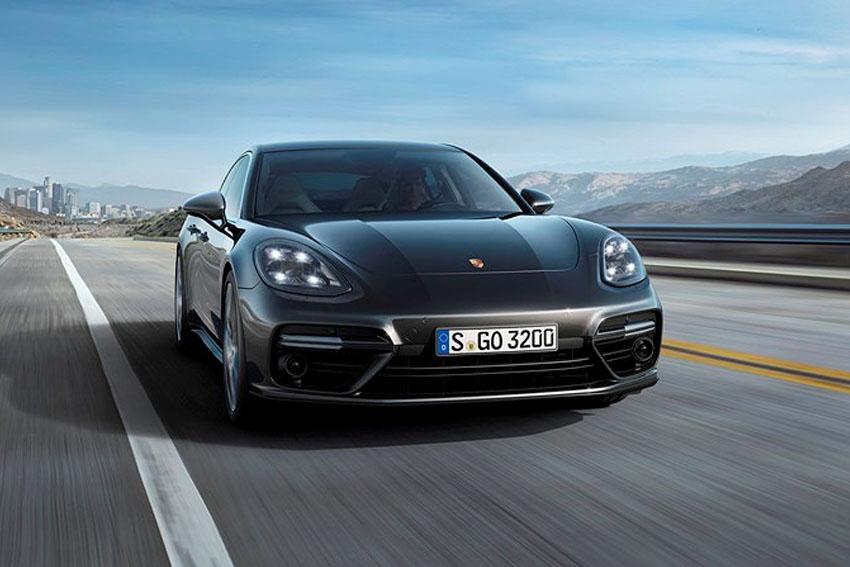 Porsche khởi động năm 2018 với mức tăng trưởng vượt bậc