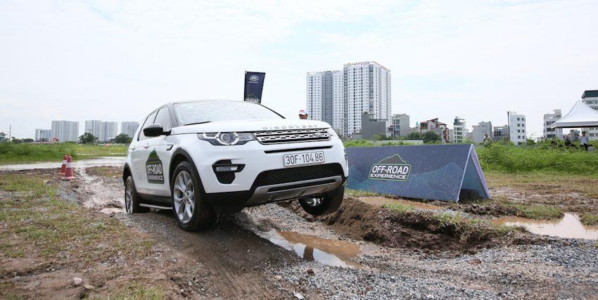 "Trải nghiệm Off-Road cùng ""Vua địa hình"" Land Rover"