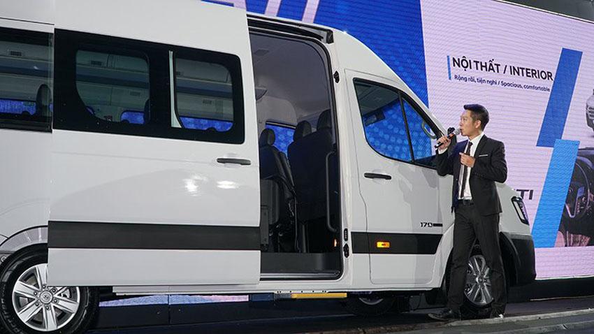 Xe khách 16 chỗ Hyundai Solati giá từ 1,08 tỷ đồng tại Việt Nam
