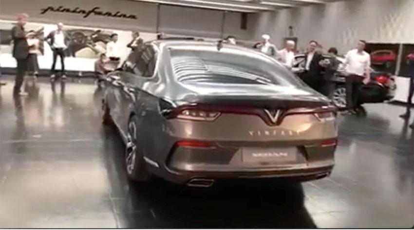 Clip: Lộ diện hai mẫu xe thật của Vinfast