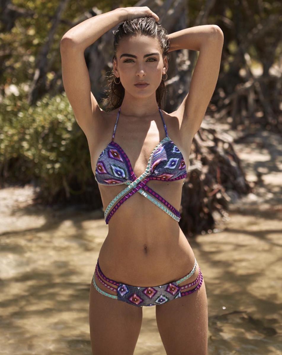 Phát sốt trước thân hình nóng bỏng của sao nữ Daniela Botero