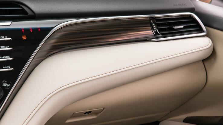 Toyota Camry 2019 trở lại thị trường Châu Âu với động cơ hybrid mới