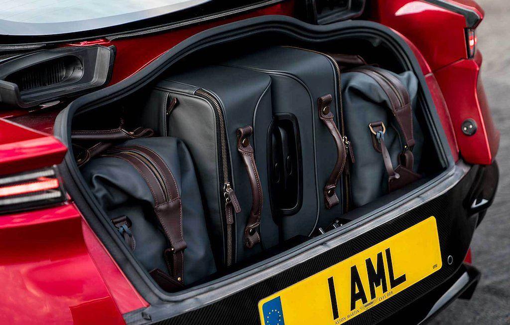 Aston Martin DBS Superleggera -siêu xe kế nhiệm Vanquish S