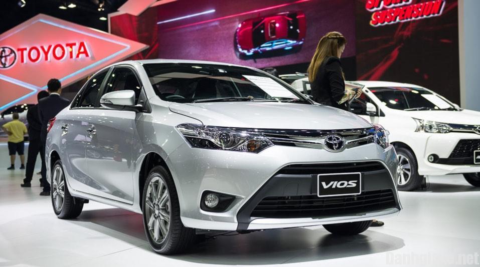 Toyota Vios giảm chung 15 triệu đồng với cả 3 phiên bản.