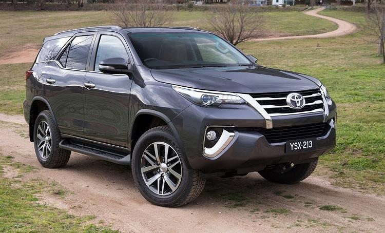 Bảng giá xe Toyota tháng 7/2018: Thêm 2 phiên bản Fortuner AT Diesel