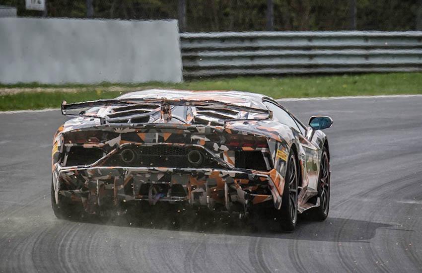 Lamborghini Aventador SVJ lên ngôi vương ở đường đua Nurburgring