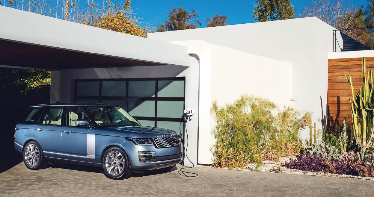 Range Rover 2019 lộ diện với sức mạnh động cơ mới và trang bị loạt công nghệ