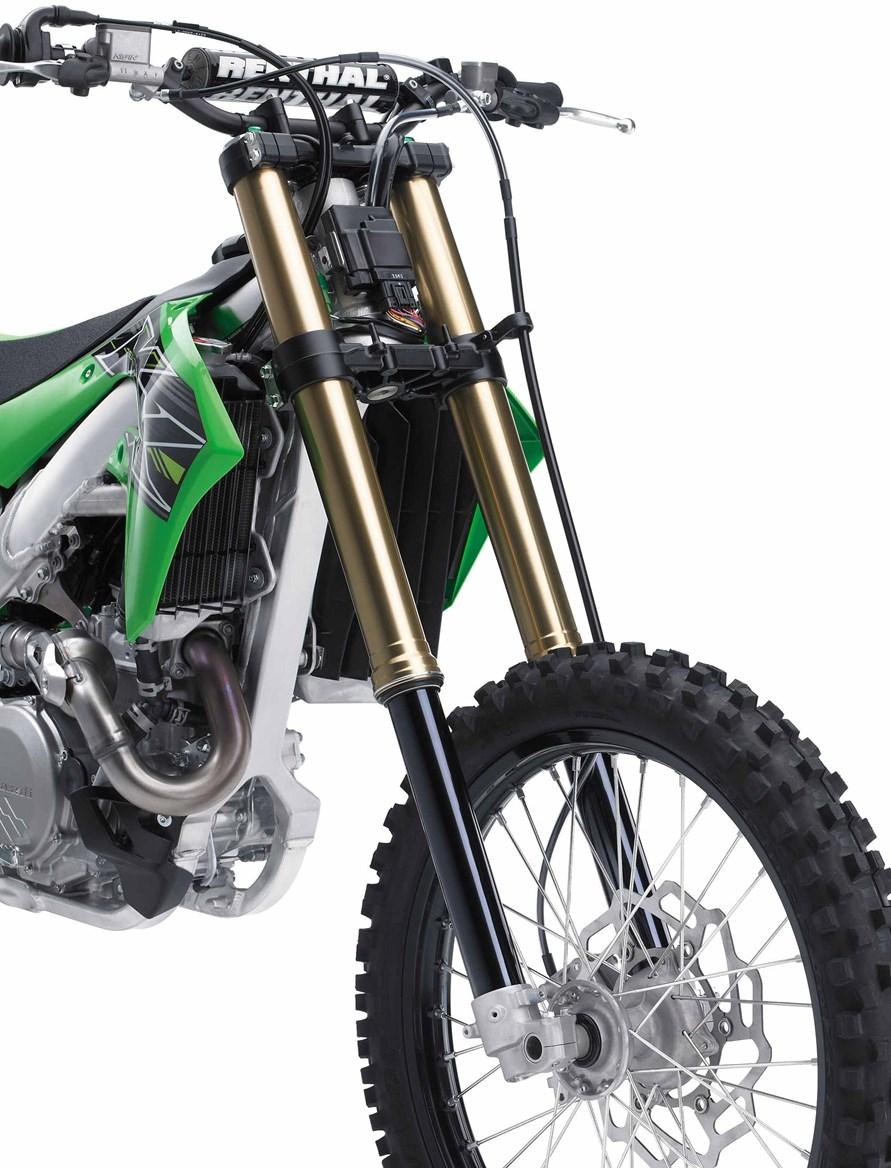 """Kawasaki """"trình diện"""" cào cào KX 450 2019 mới"""