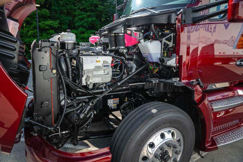 Toyota Portal Beta xe đầu kéo chạy pin nhiên liệu