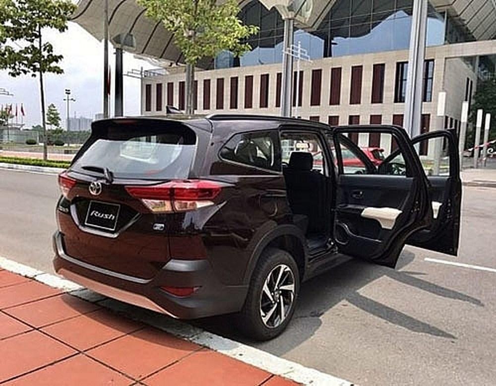 Toyota Rush lộ ảnh thực tế tại Việt Nam