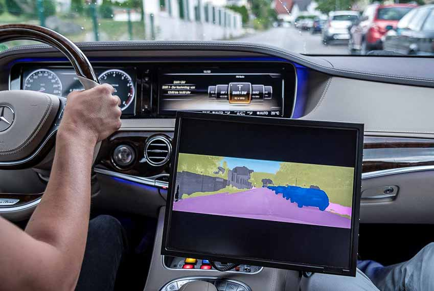 Bosch-hop-tac-Daimler-phat-trien-xe-tu-lai-cap-do-5