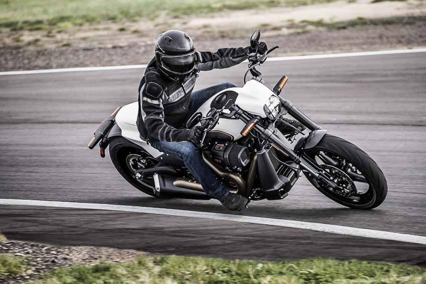WLC-Harley-Davidson-FXDR-114-Tin-230818-1