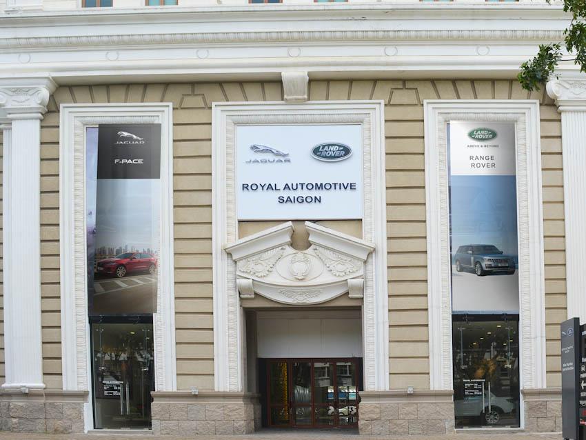 phòng trưng bày mới của Jaguar Land Rover Việt Nam tại quận 7, TPHCM
