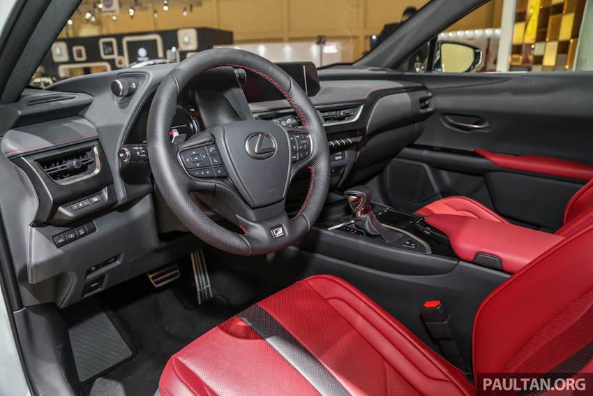 SUV hạng sang Lexus UX 2019 lần đầu xuất hiện tại Đông Nam Á
