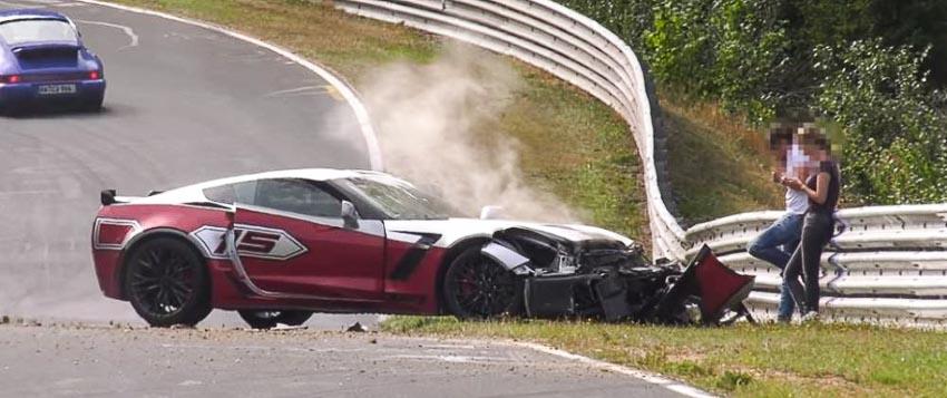Tài xế Chevrolet Corvette Z06 may mắn thoát nạn tại đường đua Địa ngục xanh
