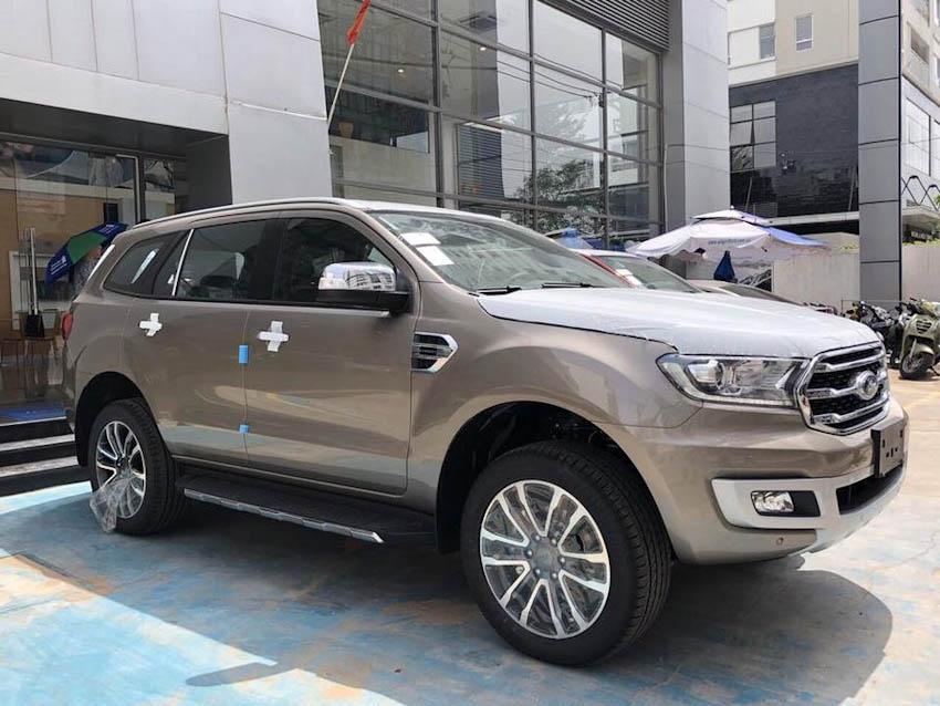Rò rỉ thông số chi tiết và giá bán Ford Everest 2018 sắp ra mắt tại Việt Nam