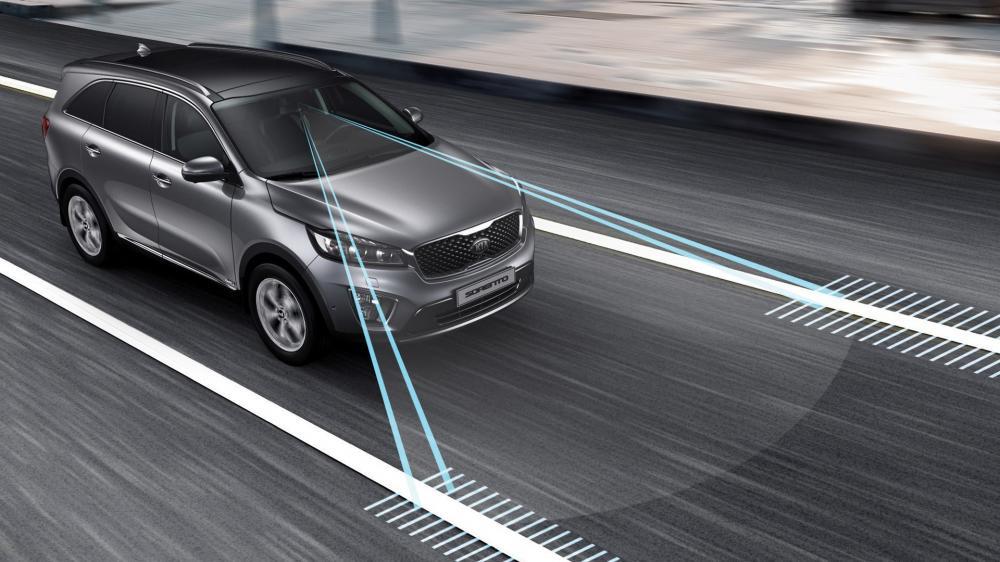 Mua ô tô mới, đừng bỏ qua những trang bị công nghệ an toàn này