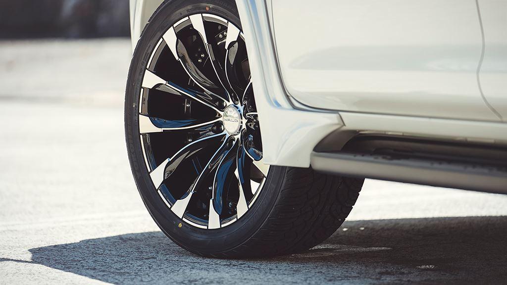 Toyota LC Prado 2018 trút bỏ vẻ ngoài nhã nhặn với bản độ Wald Sports Line