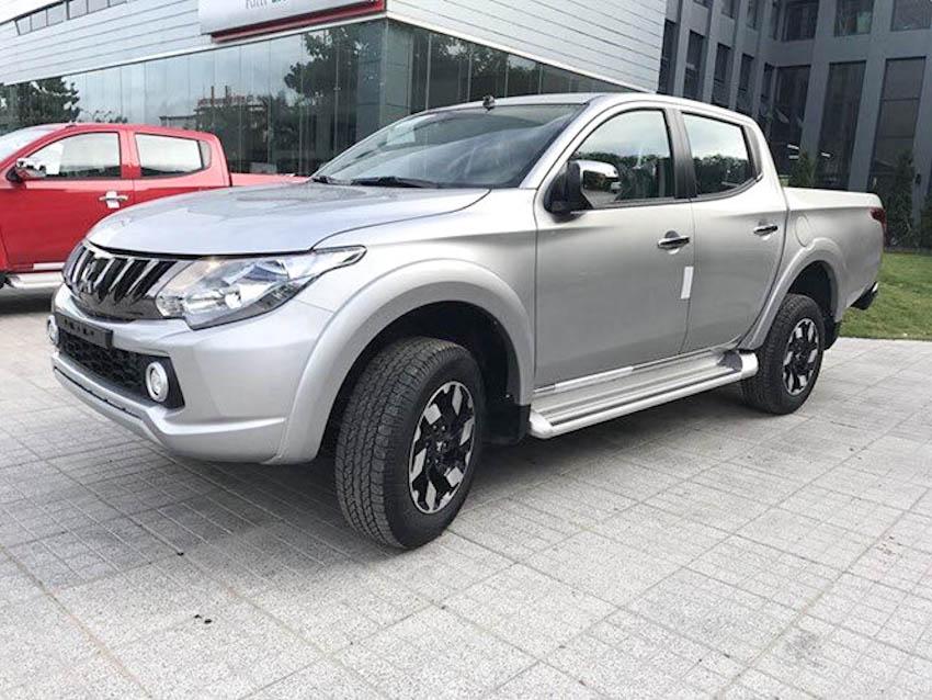 xe-ban-tai-Mitsubishi-Triton-2018
