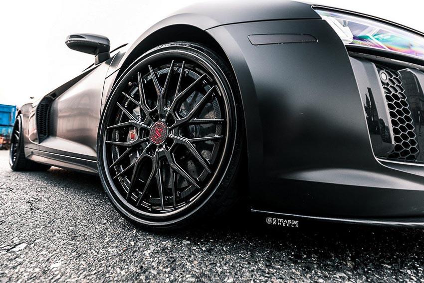 Audi-R8-V10-Plus-lot-xac-ngoan-muc