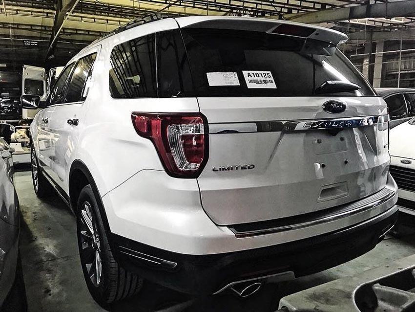 Ford Explorer 2018 nhập khẩu về đến đại lý, giá lên đến 2,193 tỉ VNĐ