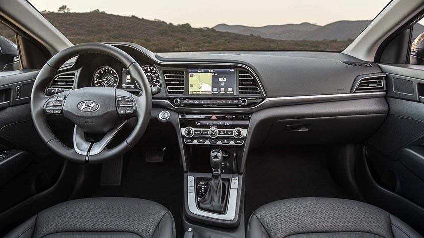 Hyundai-Elantra-2019-chot-gia-tu-17100-USD-4