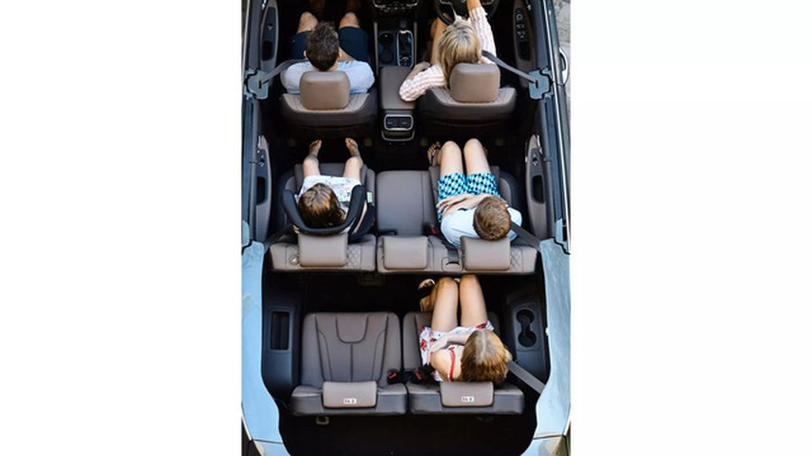 Hyundai Santa Fe Cabriolet 2019 mui trần bất ngờ ra mắt tại Úc