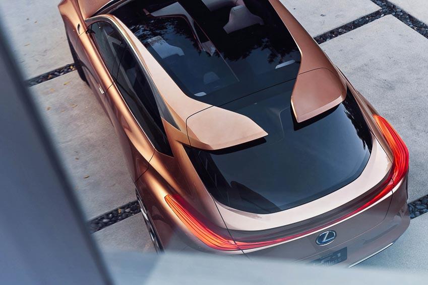 Lexus-up-mo-ve-mau-xe-sieu-sang-moi
