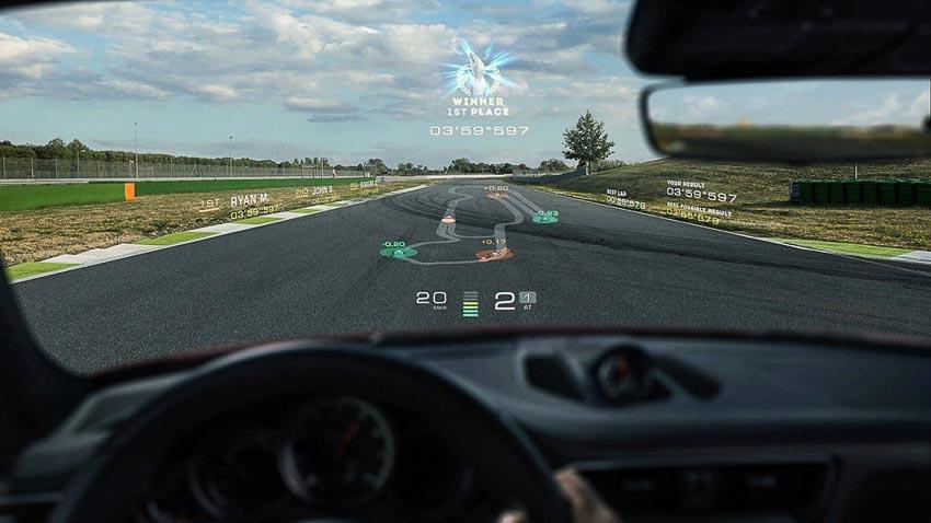 Porsche-va-Hyundaidau-tu-vao-WayRay-man-hinh-thuc-te-ao-AR